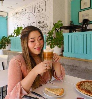Pengen nyobain latte art unyu2 yang kawaii ala Jepang, ngga perlu jauh-jauh, di @thelocalist.sby ada lho!  Review selengkapnya ada di http://bit.ly/thelocalistsby 😉😉😉. #bunnysisters #bunniesxthelocalist #thelocalist #thelocalistsby #cafe #surabaya #surabayacafe #clozetteid #sbybeautyblogger #beautynesiamember #bloggerceria #influencer #beautyinfluencer #blogger #bbloggerid #beautyblogger #indonesianblogger #surabayablogger #ladies  #indonesianbeautyblogger #girls #surabayainfluencer  #bloggerperempuan #lifestyleblogger #lifestyleinfluencer #lifestyle #personalstyle  #personalstyleblogger #beautybloggerid