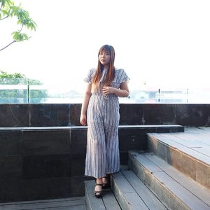 Always love the look of a jumpsuit,  always struggle to go to the bathroom with them... Well,  sometime you gotta suffer for fashion!  #clozetteid #beautynesiamember #sbybeautyblogger  #blogger #bblogger #bbloggerid #indonesianblogger #indonesianbeautyblogger #surabaya #surabayablogger #surabayabeautyblogger #influencer #beautyinfluencer  #surabayainfluencer#ootd #ootdid #ootdindo #bloggerceria #fashionblogger #personalstyle #personalstyleblogger #fashioninfluencer #jumpsuit #valleygirl #ibisstyles #ibisstylesjemursari #surabaya #notasize0 #girl #asian