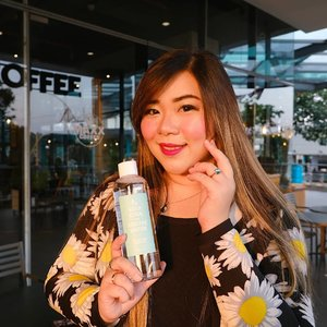A cleansing water that is very light, refreshing, water-like but yet able to remove even the most stubborn makeup? @keepcool_global Soothe Phyto Green Shower Cleansing Water is the answer!  Ingin tau lebih banyak tentang produk ini? Review di blog ku : http://bit.ly/keepcoolcleansingwater !  #review #keepcool #keepcoolkorea #soothecleansingwater #clozetteid #sbybeautyblogger #bloggerindonesia #bloggerceria #beautynesiamember #influencer #beautyinfluencer #kbeauty #koreanbrand #koreanbeauty #koreancosmetics #koreanskincare #surabayablogger #SurabayaBeautyBlogger #bbloggerid #beautybloggerid #beautybloggerindonesia #surabayainfluencer #bloggerperempuan #skincare #girl #cleansingwater #soothephytogreeshowercleansingwater #bbloggerid #indonesianbeautyblogger