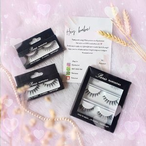 A closer look to @parisvelvet lashes.Available in single packs (starts from 20k for lower lashes and 25k for upper lashes) and Value Pack (i chose Flicker) IDR 70K for 3 pairs.My favorites are PV016 and PV011 but i can honesly say i enjoyed every single one of them and will continue using them!Which shape is your fave?PS : So many of you commented that you struggle with eyelash applications too, should i do a tutorial for noobs like me?#ParisEyelashes#BFCxParisVelvet#BeauteFemmeCommunity#BFCreview #ParisVelvet#clozetteid #ReviewwithMindy #sbybeautyblogger#bloggerindonesia #bloggerceria #beautynesiamember #influencer #beautyinfluencer #beautysocietyid #falsies#surabayablogger #SurabayaBeautyBlogger #bbloggerid #beautybloggerid #bloggerperempuan #beautysocietyid #indonesianfemalebloggers #indobeautysquad #review #influencersurabaya #endorsement #openendorsement #endorsementid #surabayainfluencer