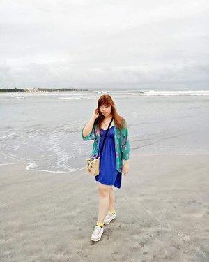 *insert dreamy caption here* 😛  #ootd #beach #kuta #kutabeach #beachootd #summerootd #blue #floralkimono #pinkinbali #bali #vacation #summervacation  #blogger #lifestyle #trip #travel #lifestyleblogger #indonesianblogger #travelblogger #indonesiantravelblogger #indonesianlifestyleblogger #girl #asian #clozetteid  #sbybeautyblogger #bloggerceria  #wanderlust #jalanjalan #influencer  #summerholiday