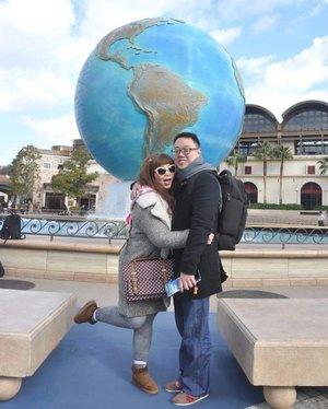 #blogupdate finally manage to continue my #japantrip2016 post, we went to #disneysea and had so much fun! Can't believe to return in a couple of months! http://bit.ly/pinkindisneysea  #hubbyandwifey #happy #happytogether #foreverlove #tokyo #disneyseatokyo #japan #japantrip #pinkinjapan #blogger #wanderlust #trip #travel #indonesianblogger #travelblogger #indonesianblogger #indonesiantravelblogger #surabayablogger #surabayatravelblogger #pinkandundecidedblog #clozettedaily #clozetteid #ilovetravel #ilovejapan #takemeback