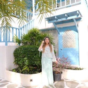 The rush of a new adventure... I can't wait to feel it in my veins once again.. #throwback#pinkinthailand #pinkinhuahin#clozetteid #sbybeautyblogger #beautynesiamember #bloggerceria #influencer #jalanjalan #wanderlust #blogger #indonesianblogger #surabayablogger #travelblogger  #indonesianbeautyblogger #indonesiantravelblogger #girl #surabayainfluencer #travel #trip #pinkjalanjalan #lifestyle #bloggerperempuan  #asian  #ootd  #santoriniparkchaam #santorinipark #santoriniparkstay #thailand #huahin