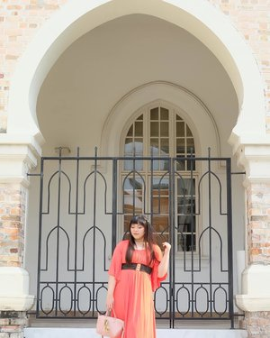 These architecture makes me wanna explore Arabian countries next 😍😍😍, i can already imagin wearing colorful kaftans and head pieces!#dataranmerdeka #merdekasquare #pinkinmalaysia #pinkinkualalumpur #pinkinkl #clozetteid #sbybeautyblogger #beautynesiamember #bloggerceria #influencer #beautyinfluencer #jalanjalan #wanderlust #blogger #bbloggerid #beautyblogger #indonesianblogger #surabayablogger #travelblogger  #indonesianbeautyblogger #travelblogger #girl  #surabayainfluencer #travel #trip #pinkjalanjalan #ootd #ootdid #ootdmalaysia #malaysia