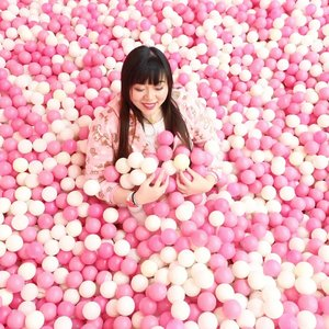 One of the things that i remember vividly about my childhood is that i loved ballpits, like... A LOT. Lately i've been frolickin' in ballpits for adults and i realized i still friggin love'em!!! #icecreamworld#icecreamworldmalang#pinkinmalang#clozetteid #sbybeautyblogger #beautynesiamember #bloggerceria #influencer #beautyinfluencer #jalanjalan #wanderlust #blogger #bbloggerid #beautyblogger #indonesianblogger #surabayablogger #travelblogger  #indonesianbeautyblogger #travelblogger #girl  #surabayainfluencer #travel #trip #pinkjalanjalan #ootd #ootdid  #malang #jawatimurpark3 #bloggerperempuan #ballpit