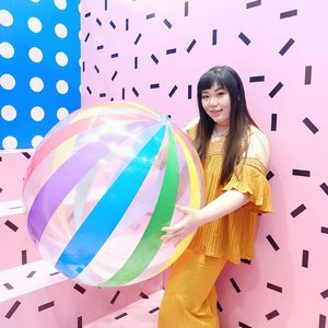 Bringing out my inner child at Labirinth of Colors in @tunjungan_plaza  6 - 2nd floor👾👾👾!!! Sooo many pretty spots for selfie or OOTDs, and it's completely freeeee 😻😻😻!!! #labyrinthofcolors #tunjunganplaza #funtime #colorful #selfiespot #girl #asian #clozetteid #sbybeautyblogger #beautynesiamember #bloggerceria #blogger #bblogger #beautyblogger #influencer #influencersurabaya #surabaya  #beautyinfluencer #fashion  #fashionblogger #personalstyleblogger  #comfortableinmyownskin#bblogger #bbloggerid #ootd #ootdid #ootdindonesia #surabayablogger #surabayainfluencer
