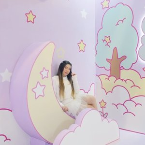 My hair length at the end of March, it grows very rapidly, imagine the length now... #sanrioplayhouse #sanrioplayhouselenmarc #sanrio #kawaii #kawaiiaesthetic  #sbybeautyblogger  #influencer #influencerindonesia #surabayainfluencer #beautyinfluencer  #bloggerceria #beautynesiamember  #influencersurabaya  #surabayablogger  #bloggerperempuan #clozetteid #girl #asian #personalstyle #surabaya #exhibition #surabayaevent #ootd #ootdid #lifestyle #lifestyleblogger #lifestyleinfluencer #pastelcolors