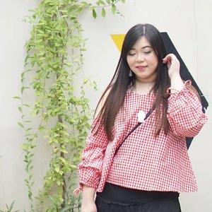 Smile! Weekend is here!#girl #asian #ootdid #ootdindo #ootdindonesia  #clozetteid #sbybeautyblogger #beautynesiamember #bloggerceria #blogger #bblogger #beautyblogger #influencer #influencersurabaya #surabaya  #beautyinfluencer #personalstyle #fashionblogger #personalstyleblogger #notasize0 #comfortableinmyownskin#effyourbeautystandards #celebrateyourself  #bloggerperempuan #girl #asian  #indonesianblogger #indonesianbeautyblogger #SurabayaBeautyBlogger #fashion
