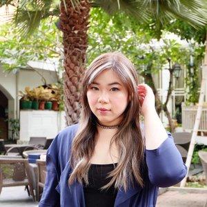 "I am pretty happy that i can now say ""Go talk to my manager"" to pesky brand reps 🤣🤣🤣. #fotd #motd #makeup #girl #asian #clozetteid  #sbybeautyblogger  #bloggerindonesia #bloggerceria #bloggerperempuan #indobeautysquad #makeupaddict #influencer #beautyinfluencer #surabayainfluencer #surabayablogger #influencersurabaya #balayage#balayagehair #rbf #restingbitchface #indonesianbeautyblogger #theconsulate #theconsulatesurabaya #bloggerid #bblogger #bbloggerid #SurabayaBeautyBlogger #fashion #ashgreyhair"
