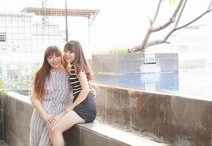 We are two happy potatoes 😄! #clozetteid #beautynesiamember #sbybeautyblogger  #blogger #bblogger #bbloggerid #indonesianblogger #indonesianbeautyblogger #surabaya #surabayablogger #surabayabeautyblogger #influencer #beautyinfluencer  #surabayainfluencer #ootd #ootdid #ootdindo #bloggerceria #fashionblogger #personalstyle #personalstyleblogger #fashioninfluencer  #ibisstyles #ibisstylesjemursari #surabaya #girls #asian #stripes #matchymatchy #monochromaticootd