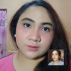 "Makeup look satu ini terinspirasi dari video YT @tasyafarasya yang judulnya ""Makeup Korea dimuka Arab"" kalau nggak salah. Dan kebetulan aku penyuka natural ala-ala #koreanmakeup gitu & @girlssecretsquad.id adain #makeupcollaboration dengan tema "" Recreate @tasyafarasya "" ya sudah akhirnya memutuskan untuk mengambil look satu ini. Mohon maaf ini gak ada mirip-miripnya 😂. Yang penting sudah berusaha & mencoba & satu lagi genks ""makeup itu gak ada yang salah semua mempunyai ciri khas masing-masing"" so mari berkreasi bersama & apreciate each other. 🤗Thank you 😘 #clozetteid #lavinareview #lavinamakeup #koreanmakeup #koreanmakeuplook #koreanlookmakeup #koreangirl #makeupkorea"