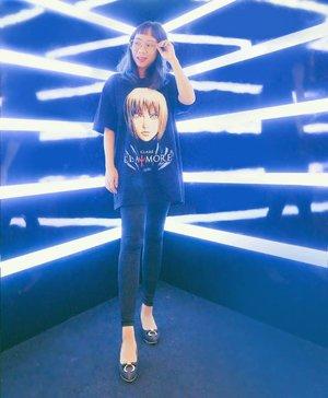 Beberapa hari lalu, mata sempet iritasi jadi gk bs pake softlens or eyeshadow 😫😭 But, today I can wear eyeshadow again, yay!! 💃✨ And oh I'm wearing my waifu t-shirt 💙💙 . . #claymore #clareclaymore #anime #ootd #potd #tokyofashion #clozetteid #radenayublog
