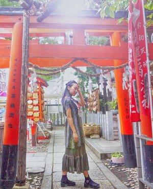 10 Things to do in Osaka versi aku bisa dibaca di #linkinbio 💖 Anyway, liat berita cuaca Jepang bakal ada typhoon lagi 😱 hopefully gak sebesar awal bulan ini 😢 . . #osaka #ohatsutenjin #ohatsutenjinshrine #japantrip #osakatravel #japantravel #wisatajepang #liburanjepang #wisataosaka #osakatrip #igosaka #igjapan #radenayublog #clozetteid #travelblog #osaka_japan #jepang #ootd #japanfashion