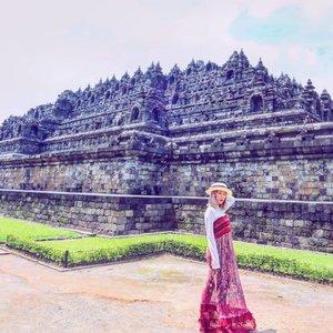Sebelum Borobudur ditutup sementara untuk turis..#borobudur #candi #ootd #lookbook #indonesia #travelphotography #radenayublog #Clozetteid