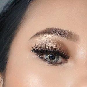 Males cukur alis no worries, pake @qlcosmetic eyebrow cream alis jadi keliatan lebih rapi 😉 anyway, kamu bisa nonton video makeup tutorialnya tinggal klik #linkinbio aja . . @kbbvbyacb #kbbvxqlcosmetics #kbbvmember #qlcosmetic #radenayublog #beautybloggerindonesia #makeupwisuda #makeuptutorial #makeupindonesia #eotd #eyemakeup #eotdmakeup #setterspace #indobeautysquad #beautilosophy #beautychannelid #igbeauty #instamakeup #hudabeauty #inspirasicantikmu #clozetteid