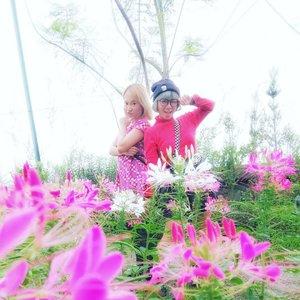 Twins👭..#Clozetteid #radenayublog #pink #bandung #flowers