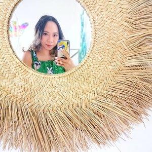 Weekend semakin dekat 💚semangat!!! ..#radenayublog #mirrorselfie #ClozetteID #hotelbali #uluwatubali #phonecase #mirrorphotography