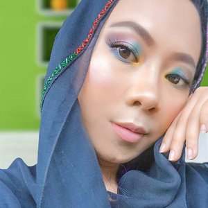 Recreate Glam Nude Lebaran look @tasyafarasya pakai @nyxcosmetics_indonesia ultimate Brights palette, liquid illuminator, soft matte lip cream Athens 💄✨ . . #faceawardsindonesia #yourfavebutbetter #nyxcosmeticsid #clozetteid #makeupindo #beautybloggerindonesia #makeuplebaran #lebaranlook #igmakeup #beautylook #motd #instabeauty #indobeautyblogger
