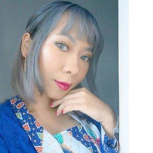 Makeup kondangan hari ini 😳 Foundation: @giorgioarmani + @katvondbeauty ❤ Bedak: @ultima_id ❤ Highlighter: @beccacosmetics + @bhcosmetics ❤ Shading: @pixycosmetics ❤ Eyebrows: @SariAyu_Mt ❤ Eyeshadow: @juviasplace ❤ Eyelashes: @ratubulumata ❤ Lips: @Lancomeofficial + @lacolorscosmetics 💄 #motd #makeup #clozetteid #beautybloggerid