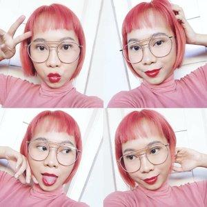 Gak bs liat Sakura blooming di Jepang, ywd gpp 🌸💮Btw, suka bgt sama warna rambut baru. Gak sia2 hampir 4 jam duduk di salon @amigossalon ❤️..#pinkhair #radenayublog #rainbowhair #shorthair #haircolor #hairstyle #clozetteid
