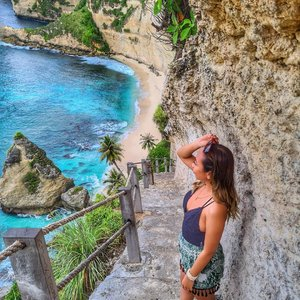 Pantai terindah... 🏝️..#nusapenida #diamondbeach #balibeach #nusapenidabeach #ClozetteID #radenayublog