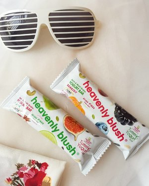 So happy to find another healthy way of snacking. Present you the brand new TummYogurt Bar from @heavenlyblushyogurt don't forget to check the link on my bio😉 . . . #HeavenlyBlush #TummYogurtBar #ClozetteID #Blogger #Review #BeautyBlogger #NationalYogurtDay #CheersforTummy #CheersforYogurt