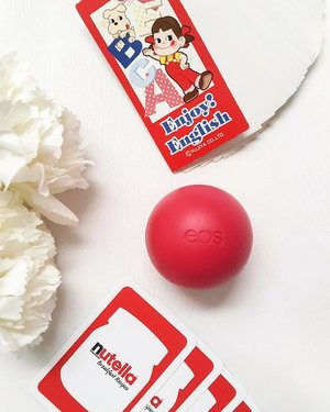 Monday is the right time to cheer up💃💃No time for dry lips because I've got EOS Lipbalm that I can count on anywhere I go💋. Review soon on 👉 Coralshadedlips.blogspot.co.id . . . . #Clozetteid #EOSLipbalm #EOS #TouchofRed #Flatlay #MondaythatIlove #blogger #bloggerindo #beautyblogger #beautybloggerindonesia #lipbalm