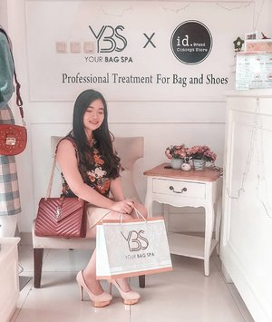 Satisfied with the result 🌟 shoes reborn should i say, why thankssss so much for removing all the dirt on that damn suede, a material that is hard to clean, @yourbagspa! Swipe for before after 👉 or check out the link on bio for full review on the blog 💎 . . .  #YourBagSpa #clozetteid