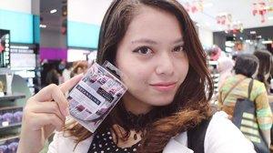 I'm fallin' in love with this @tangleteezerindo on-the-go Hair Brush design by Lulu Guinness💕 designnya yg lucu lucu paraah . . . #SephoraPVJ #sephoraidn #beauty #beautyblogger #indobeautygram #indonesiabeautyblogger #bblogger #makeupjunkie #makeupindo #clozetteid #clozetteapp #chacaannisasdiary