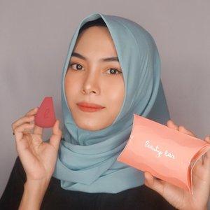 Beauty Sponge #BLACKPINK series from @beautybar.idn 💙Squishy banget deh dan bentuk unik, punya banyak sisi yang bisa memudahkan pengaplikasian foundation, concealer, maupun baking. Yuk kepoin IG nya @beautybar.idn ✨#BeautyBarIdn #BeautyBarIndonesia
