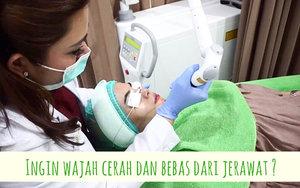 Aku lagi seneng banget nih bisa nyobain treatment terbaru dari salah satu klinik kecantikan ternama di Indonesia yaitu @zapcoid. Setelah selesai treatment, aku langsung ngerasain perubahan yg signifikan! 💙  Buat kamu yang ingin tau treatment apa yg aku lakukan, yuk, simak video selengkapnya di Youtube Channel aku! (just click link on my bio) ✨  @zapcoid #zapcoid @zappremierecibubur #zappremierecibubur @clozetteid #clozetteid @indobeautygram #indobeautygram @indobeautysquad #indobeautysquad @beautybloggerindonesia #beautybloggerindonesia @indovidgram #indovidgram @bloggermafia #bloggermafia @bloggerperempuan #bloggerperempuan @tampilcantik #tampilcantik #cantikjamannow #beauty #skincare #makeup #makeuptutorial #WhatsUlpahReview #BJournal byMaryahUlpah