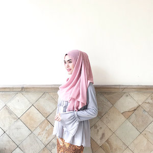 """Nothing is impossible, the word itself says """"I'm possible""""! - Audrey Hepburn ✨Hijab by @hejabq.id@clozetteid #clozetteid @hijabindokece #hijabindokece #hijabindonesia"""