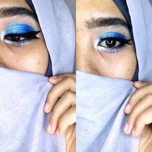 . .Produk:.@maybelline Fashion Brow Dark Grey-@latulipecosmetiques_ Highlight stick-@citycolorcosmetics & @inezcosmetics eyeshadow palette -@pac_mt eyeshadow pencil & mascara-@mizzucosmetics eyeliner -@mobcosmetic eyelashes...#eotd #blueeyeshadow #clozetteid #hijabandmakeup