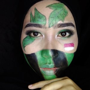 Jayalah Tentara Nasional Indonesia 🇮🇩🇮🇩🇮🇩🇮🇩🇮🇩🇮🇩🇮🇩🇮🇩🇮🇩 Jadi ceritanya pengen bikin look tentara yang sedang nyamar di semak-semak. Tapi pengen tetep pake eyeshadow. . . . . Product: - @lagirlindonesia HD Foundation - @marckscosmeticind Loose Powder - @ltpro_official Brow Cream - @viva.cosmetics Eyeshadow Cream Hijau dan Hitam - @inezcosmetics Profesional Eyeshadow … … … Inspirasi : @tni_indonesia_update & @aro_kopa  #beautiesquad #setterspace #indobeautygram #indobeautysquad #bvloggerid #teambvid #bunnyneedsmakeup #indomakeup_squad #beautygram #tni_indonesia_update  #indovidgram #beautygram #makeuptutorial #makeupjunkie #ponororogovidgram #makeuptutorial  #beautybloggerindonesia #beautyblogger #bloggerponorogo  #wakeupformakeup  #naturalmakeup #glammakeup #clozetteid #ivgbeauty  #makeupforhijab  #hijabandmakeup #motd  #Ponorogo #beautylosophy
