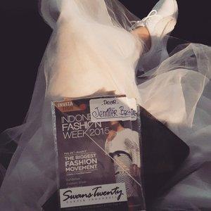 Let the show begin !!! @swanstwenty Good luck honey @sophie_tobelly 💙 #IndonesiaFashionWeek #IndonesiaFashionWeek2015 #IFW2015 #fashionweek #FW #SwansTwenty #ClozetteID @clozetteid  #JenniferBachdim #fashion #fashionblog #fashionblogger