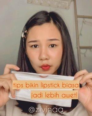 [Tips Bikin Lipstick Biasa jadi Kissproof, Transferproof dan Awet!] Berawal dari liat iklan, trus tergerak hatiku mencobanya wkwkw aku termasuk orang yang suka pake lipstick walopun kadang suka bete transfer dan nempel ke gelas😂 kayaknya Lip Fixer @saat_indonesia ini next bisa jadi penyelamat👌 . . . . .  #clozette #clozetteid #makeupkorea #Cchannelbeautyid #koreanmakeup #makeupnatural #makeupremaja #makeupkampus #makeupandwakeup #makeuptutorial #makeuptutorials #ragamkecantikan #ivgbeauty #tiktok #tiktokindonesia #makeuppemula #tiktokviral #makeuphacks #beautyhacks #makeuphack #indobeautysquad #indobeautyblogger #indobeautygram #lipstick #transferproof #lipfixer makeup #wakeupandmakeup