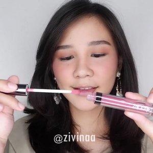 Siapa yang setuju kalo tahun ini bakal jadi tahunnya lip cream dan lip gloss? Gak heran kalo @lookecosmetics akhirnya keluarin lip product perdana mereka yaitu Holy Lip Creme dan Holy Lip Polish 💙  Bagus gak sih vin? Full reviewnya udah ada di youtube aku yaa, cussss meluncurrr!! . . . #lipstick #mattelipstick #lipgloss #lookecosmetics #tutorialmakeup #makeup #sleekmakeup #tutorial #Indobeautyvlogger #Indobeautyblogger  @ragam_kecantikan  @popbela_com  @indobeautysquad #Indobeautysquad  @tampilcantik #TampilCantik @beautynesia.id #Beautynesia #BeautynesiaID  @bunnyneedsmakeup  @bloggermafia #bloggermafia @indobeautygram #Indobeautygram @clozetteid #Clozetteid #Clozette @beautybloggerindonesia #beautybloggerindonesia