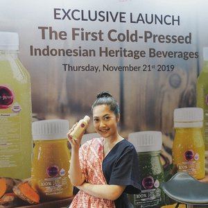 Exclusive Launch The First Cold-Pressed Indonesian Heritage Beverages! .  Hari ini nyobain varian terbaru Re.Juve yang terinspirasi dari resep jamu tradisional .  #livehappier #GoodForYou #cleanlabel #REJUVXCLOZETTEId #clozetteid #food