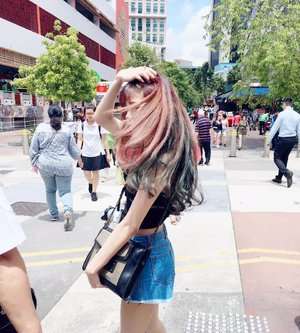 Life is short.  Make each hair flip fabulous ❤😊 - #Bossbabe . . . . . This is My Solution untuk rambut kering dan rusak akibat pewarnaan maupun hair styling setiap hari @heydeuxyeoza_official  Leave-in hair treatment yang memberi nutrisi pada rambut shg menjadi lebih lembut dan mudah di atur setiap waktu plus wangi sepanjang hari tanpa perlu dibilas ❤ Yuk baca review nya disini  goo.gl/zoBbLi 💁 or click here to buy Https://Hicharis.net/jennifermarcellina/4oT  #heydeuxyeoza #RapunzelHair #RapunzelHairDay #charis #charisceleb #leaveintreatment #hairtreatment #clozette #CLOZETTEID #beautynesiamember #sbnmember #soco  #beautiesquad #hair #hotd #qotd #sg #cleosg #ggrep #jennysbeautyreview
