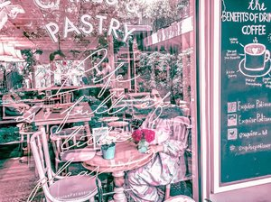 Lagi psbb rindu ngafe, pas cafe nya dah pada buka gak kesana sana juga 🤣.Kecuali.....Ada yg traktis 😂😂😂 kode keras.#msl09jun20 #cafejakarta #exquisepatisserie #jakartahits #jakartaselatan #anakjaksel #lightroompresets #newnormal #newnormaljakarta #picsartindonesia#sahabatkekeyi #sahabatkekeyisedunia#clozetteid