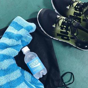 Abis olahraga ditemenin Pocari Sweat @ionessence biar gak dehidrasi dan ini low calories lhooo 💧💧 #staystrong #clozettediversi3 #clozetteid #puma #vscocam #vsco #likeforlike