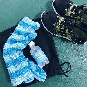Abis olahraga ditemenin Pocari Sweat @ionessence biar gak dehidrasi 💧💧 #staystrong #clozettediversi3 #clozetteid #puma #vscocam #vsco #likeforlike