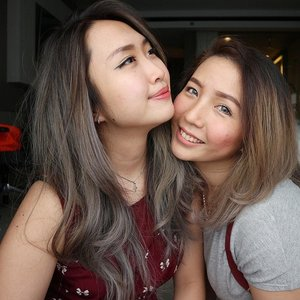 Sister from another mom! Love to the moon and back 💞 @windabounavich 🙆🙆 #clozetteid #clozette #snapgram #instasnap #silverhair #irwanteam #sisterlove #love #vscocam #vsco #asian #makeupartist #jakartans #photography
