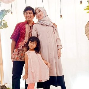 First family pict in 2021 #hellojanuary #welcome2021 #familypic #clozetteid
