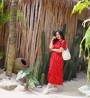 Take a sneak peek at @trouit.bdg 😍😍😍  awas di Slide ke 4 ada yang enak buat buka puasa😝.  Definisi bangun tidur kuterus foto. #CeritaPerjalananIcha kemarin sebelum puasa brunch di @trouit.bdg . Padahal di Bandung aja tapi vibesnya kayak pinggir pantai babes💕   #CeritaPerjalananIcha #explorebandung #ootdindo #vintagevibes #clozetteid #bandungbanget #jktspot
