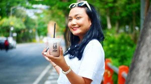 Abis nyobain kopi ala anak Suroboyo ������. Namanya @jo.ko.pi kopi blusukan 😘. Biar nyebrang jalannya nggak pake ngantuk ngopi dulu nii babes 🤩🤩🤩. Siapa yang punya itinerary mau liburan di Surabaya??? jangan lupa masukin si Jokopi di list it taste so gewwwd and yet affordable 👌�😊. . . . #eatsxarunadanlidahnya  #temankulineran #jokopi #surabayakuliner #fooddiary #foodie #clozetteid #jokopiblusukan