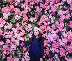 P.I.N.K roses and no caption needed 💗. . . . #haluubanget #haluuworld #officiallyhaluu #jktspot #jktgoodguide #jktgo #clozetteid #instaplaces #instagramablejakarta