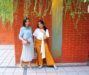 Matchy matchy outfit OOTD with your bestfwend why NOT??? Me and @enoomomsen  wearing @tinkerlustid for our Combo OOTD 😘😘😘. . . . #potd #ootd #simpleclassiclife #simpleclassic #styleinspiration #clozetteid #styleicon