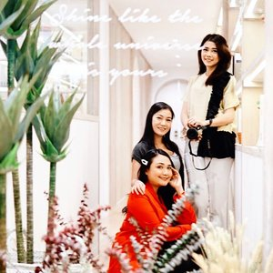Lashes Extension Vlog udah Up di Youtube channel Budiartiannisa babes❤️. Bakal ada @kaniasafitrii sama @anitamayaa nongol niihh. Swipe Left For the result😍. Me time with Girl Squad at @ruhee.id why not??? . . 📷 Hand Help by @anitamayaa 😘😘😘 . . #ruhee #ichamaucerita #ceritaperjalananicha #lashesextension #bloggerlife #bloggerbeauty #clozetteid #beautyreview #bloggerreview