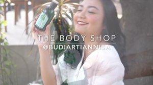 Hola Babes💛 Sesuai janji aku beberapa hari yang lalu, aku lagi bahas tentang rangkaian perawatan rambut dari The Body Shop Fuji Green Tea series. Siapa yang punya masalah rambut lepek dan mudah berminyak seperti aku? Karena ternyata kelebihan minyak di rambut itu juga salah satu penyebab kerontokan. It's Up On my Blog . . www.budiartiannisa.com . . Have a great hair day💋 . . #hairtruth #mytruth #tbsbeautybae #fdxtbs @thebodyshopindo #thebodyshopindo #ichamaucerita #haircare #beautyreviews #clozetteid